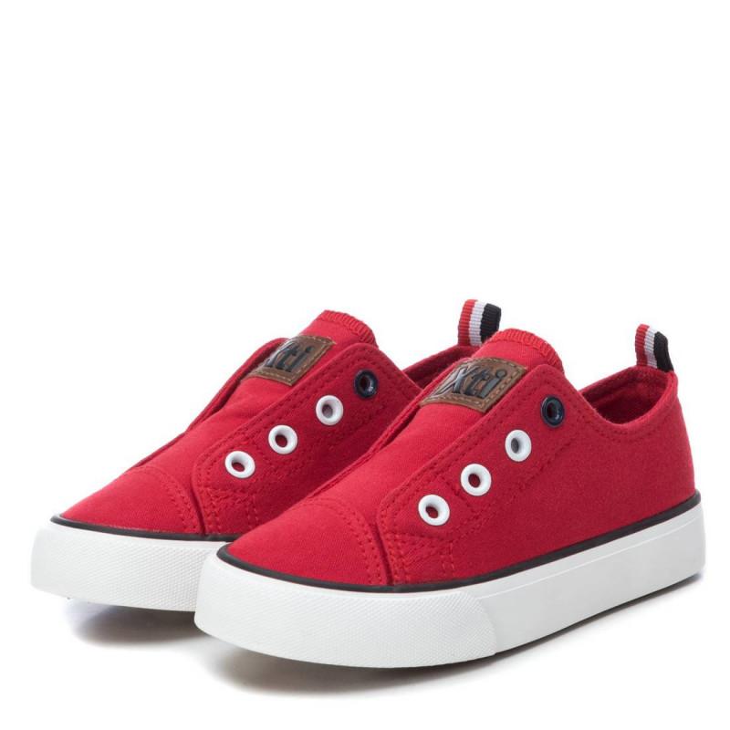 Κόκκινα sneakers, με ελαστικά λουράκια  107878
